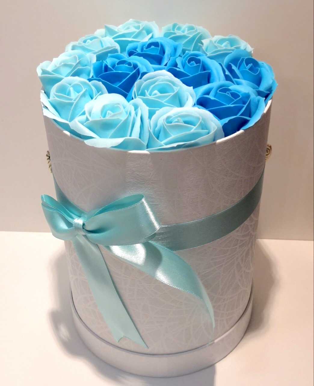 Flower Box - Blue roses